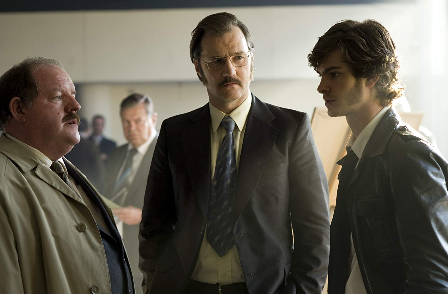 (l to r) Editor Bill Hadley (John Henshaw), police detective Maurice Jobson (David Morrissey) and crime reporter Eddie Dunford (Andrew Garfield) in Red Riding: In the Year of Our Lord 1974 (2009)