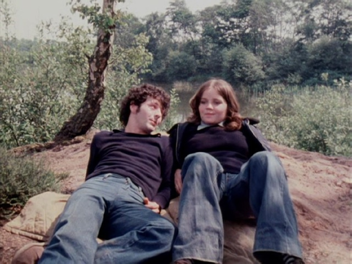 Tom (Stephen Petcher) and Jan (Lesley Dunlop) in the present-day story in Red Shift (1978)