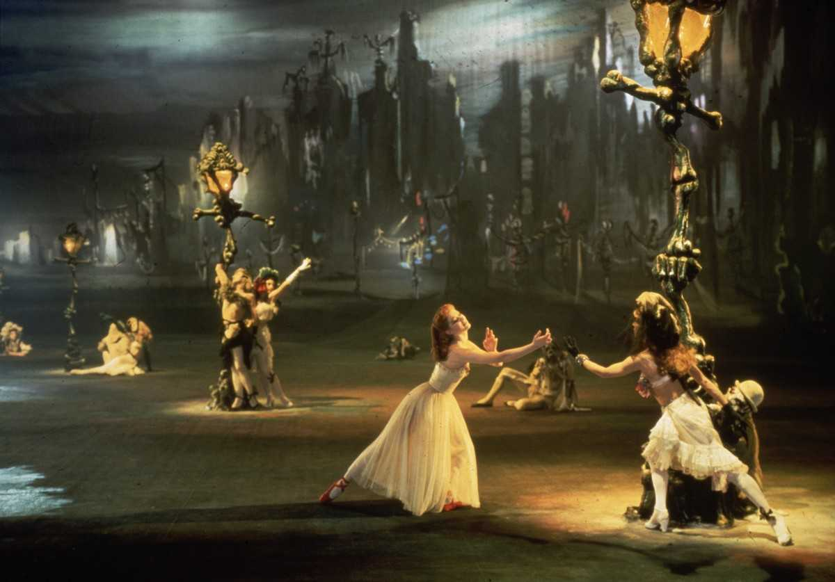Michael Powell's stunning staging of the ballet as a pure Technicolor spectacle (with Moire Shearer centre) in The Red Shoes (1948)