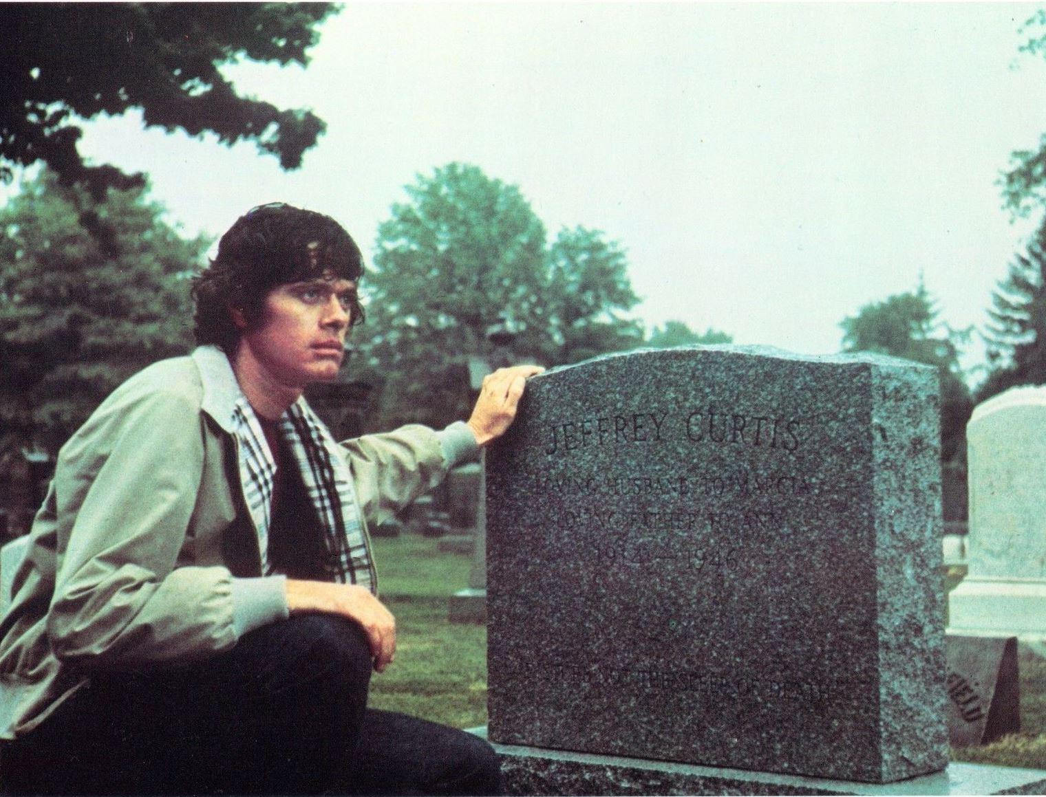 Michael Sarrazin in The Reincarnation of Peter Proud (1975)