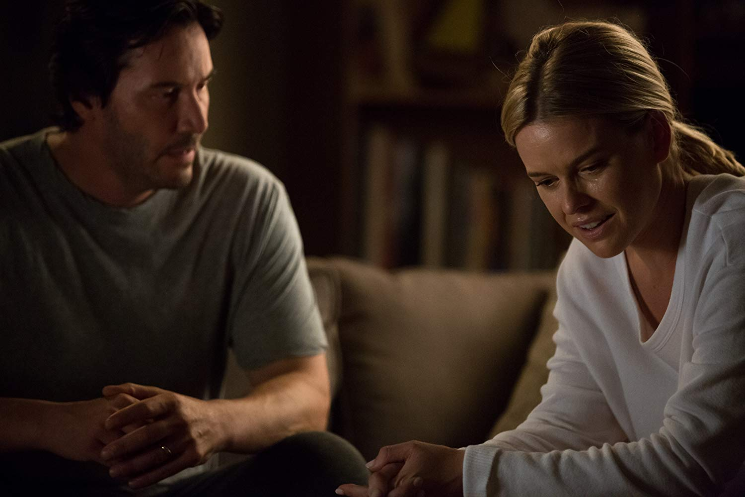 Keanu Reeves and wife Alice Eve in Replicas (2018)