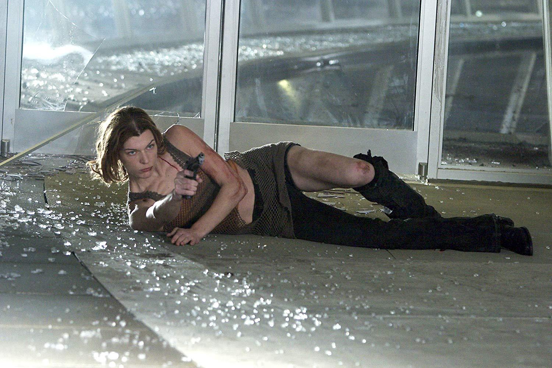 Alice (Milla Jovovich) in Resident Evil: Apocalypse (2004)