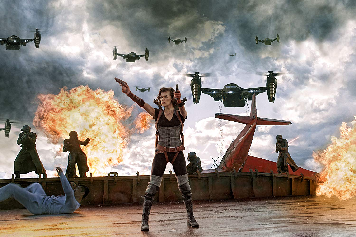 Milla Jovovich in action aboard an aircraft carrier in Resident Evil: Retribution (2012)