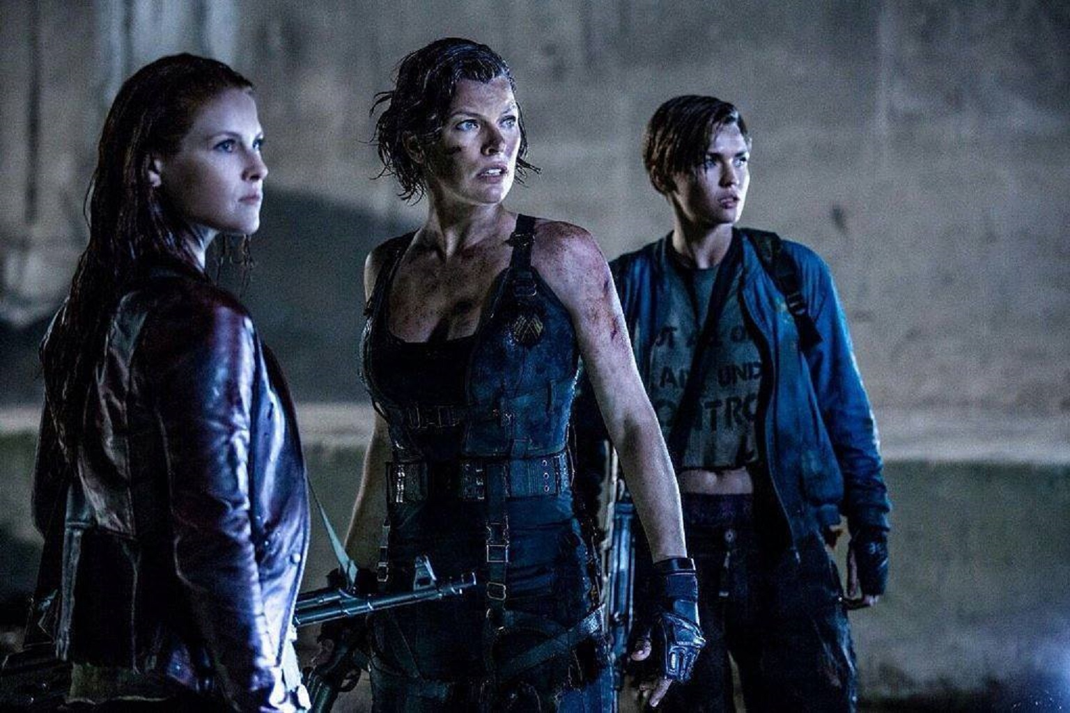 Ali Larter, Milla Jovovich, Ruby Rose in Resident Evil: The Final Chapter (2016)