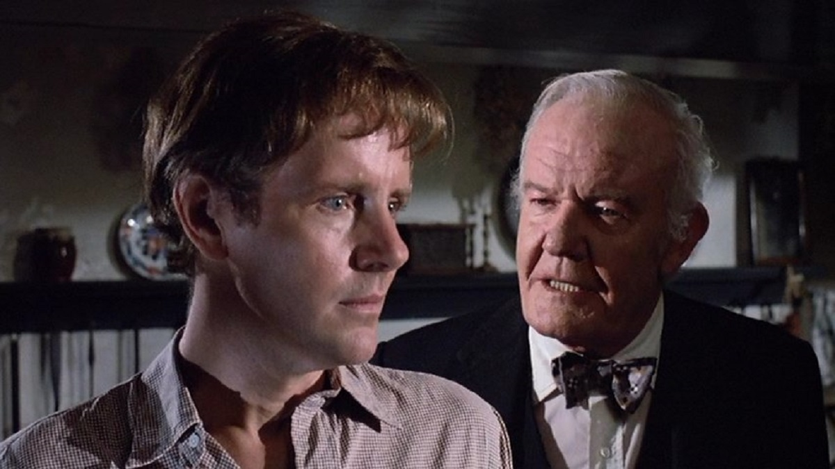 (l to r) Michael Moriarty is befriended by vampire town leader Andrew Duggan in A Return to Salem's Lot (1987)