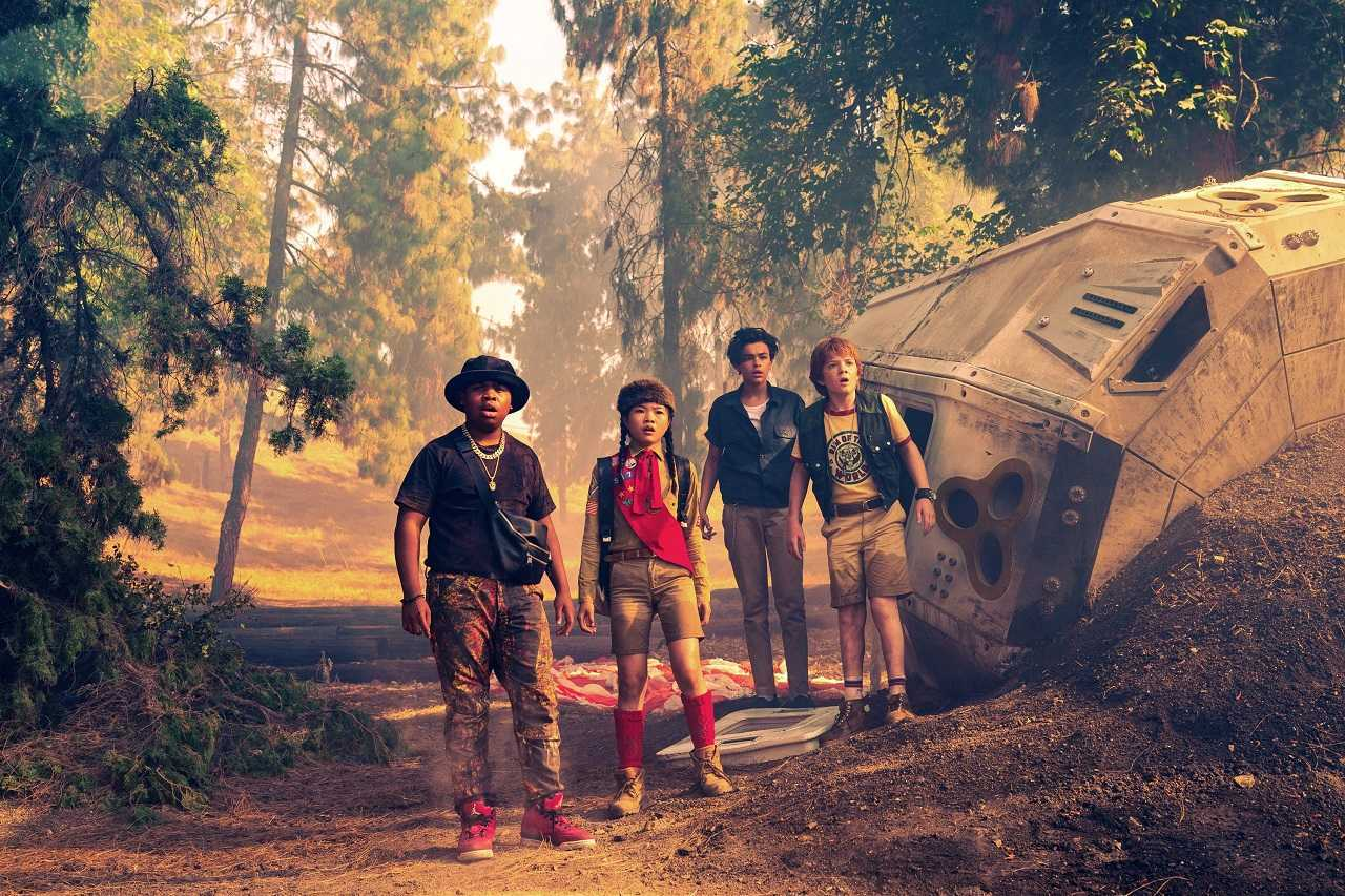 Benjamin Flores Jr., Miya Cech, Alessio Scalzotto and Jack Gore in Rim of the World (2019)