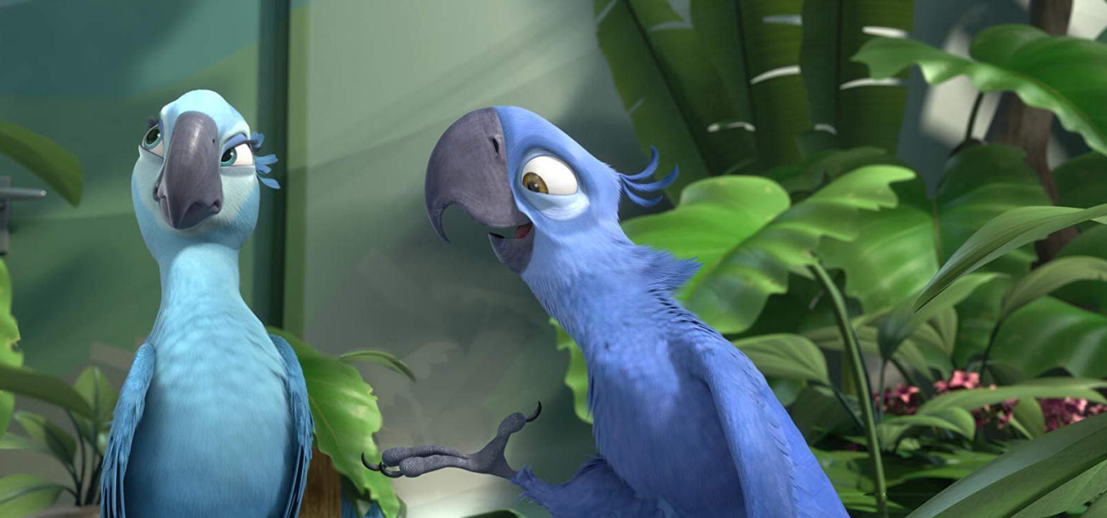 Love among he macaws - (l to r) Jewel (voiced by Anne Hathaway) and Blu (voiced by Jesse Eisenberg) in Rio (2011)