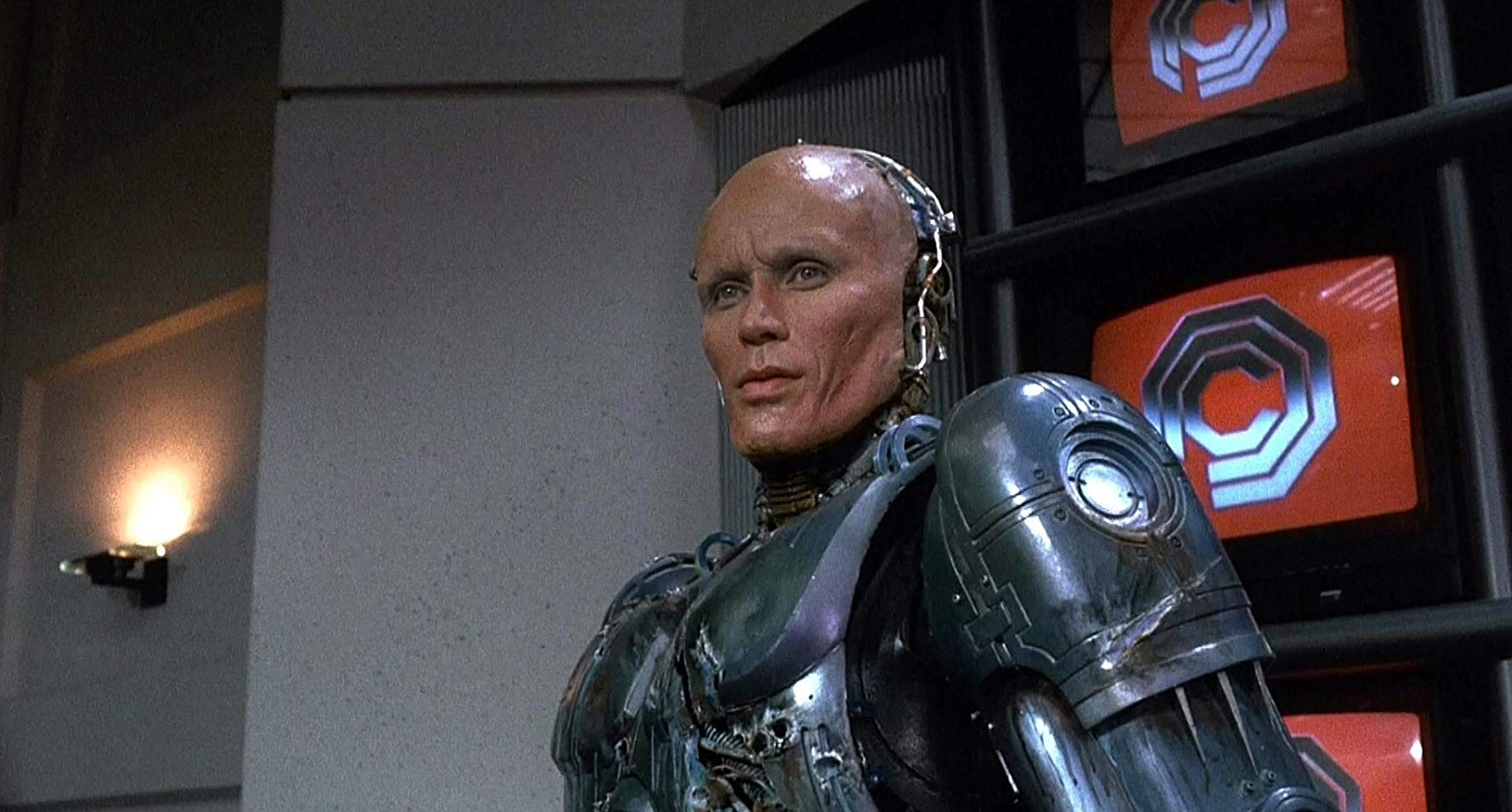Peter Weller as Alex Murphy in Robocop (1987)
