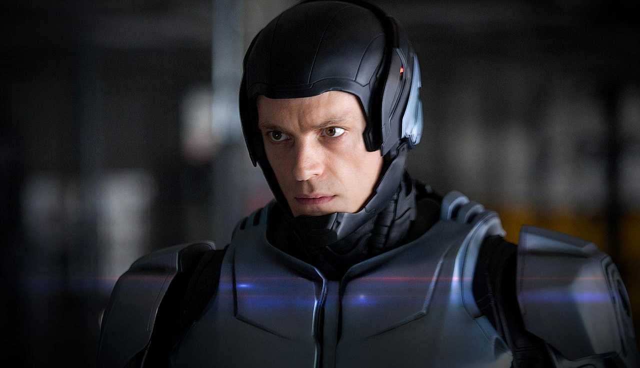 Joel Kinnaman as Alex Murphy/Robocop in Robocop (2014)