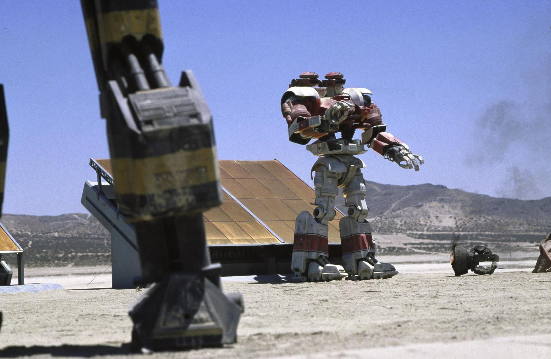 Transformer robots battle in Robot Jox (1990)