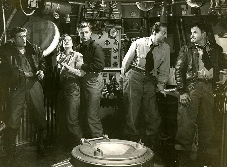 Hugh O'Brian, Osa Massen, Lloyd Bridges, John Emery and Noah Beery Jr in Rocketship X-M (1950)