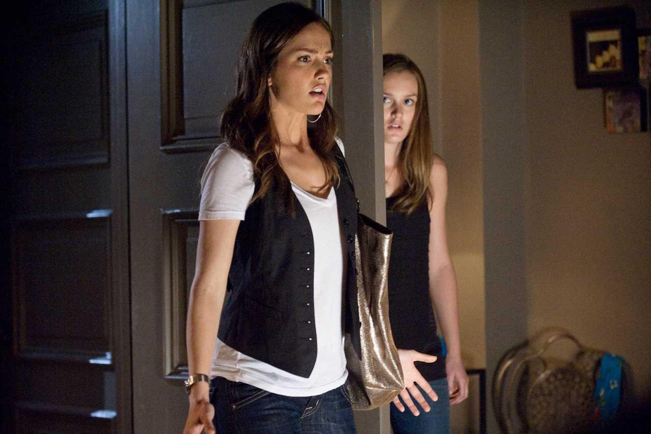 Minka Kelly and roommate Leighton Meester in The Roommate (2011)