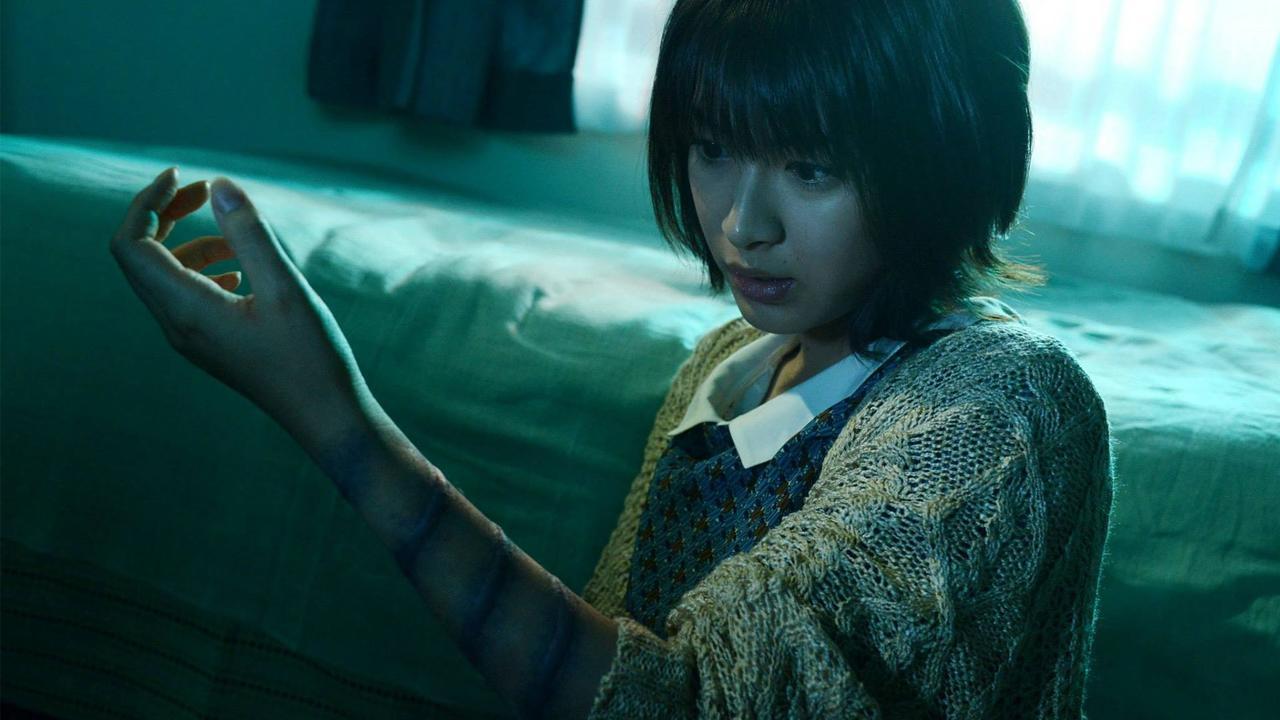 Fuko Ando (Mori Takimoto) infected by the curse in Sadako 3D 2 (2013)