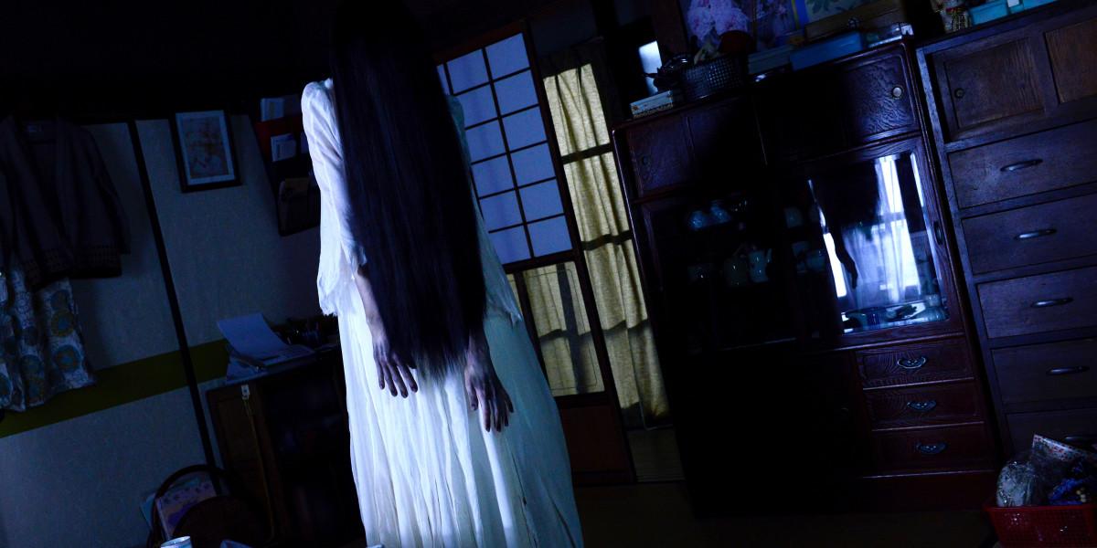 Sadako (Elly Nanami) in Sadako vs Kayako (2016)