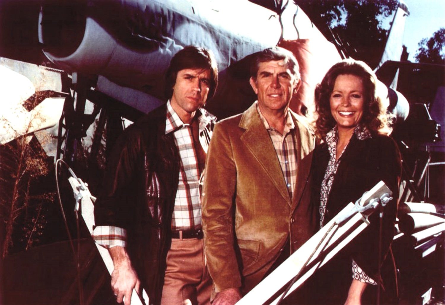 (l to r) former NASA scientist Skip Carmichael (Joel Higgins), junk dealer Harry Broderick (Andy Griffith) and chemist Melanie Slozar (Trish Stewart) in Salvage (1979)