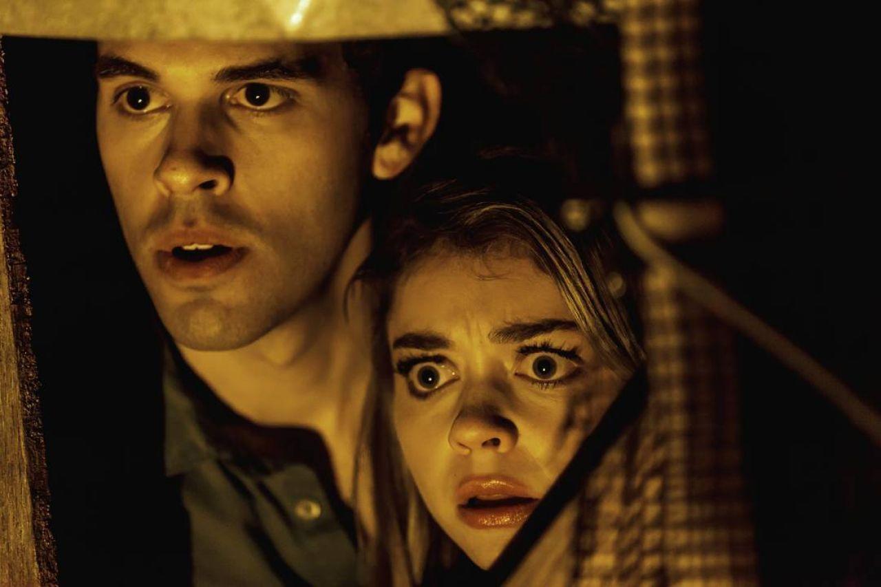 Steven Krueger, Sarah Hyland in Satanic (2016)