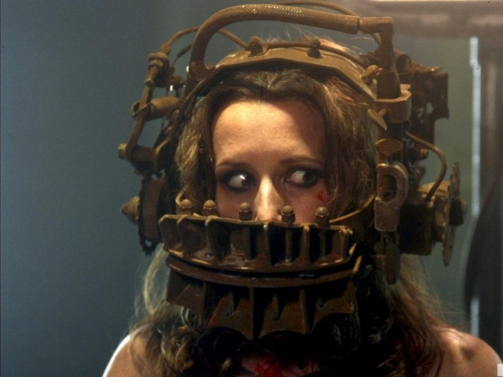Shawnee Smith in one of Jigsaw's traps in Saw (2004)