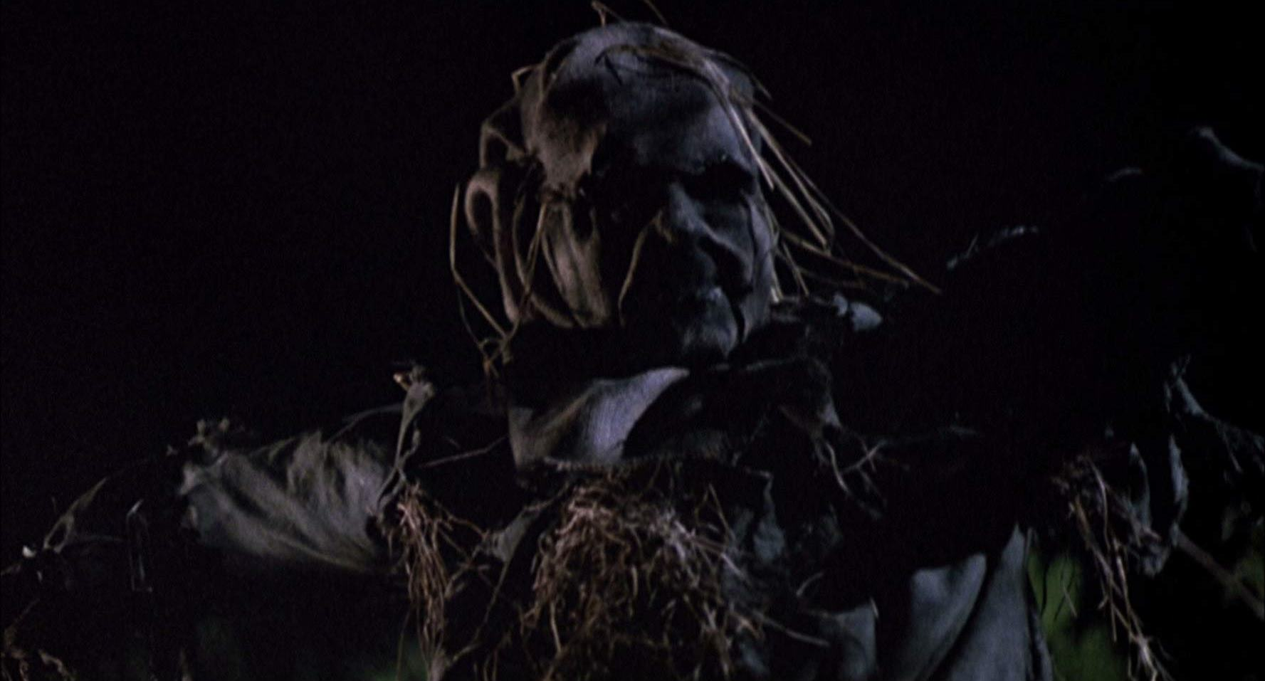 Undead scarecrows in Scarecrows (1988)