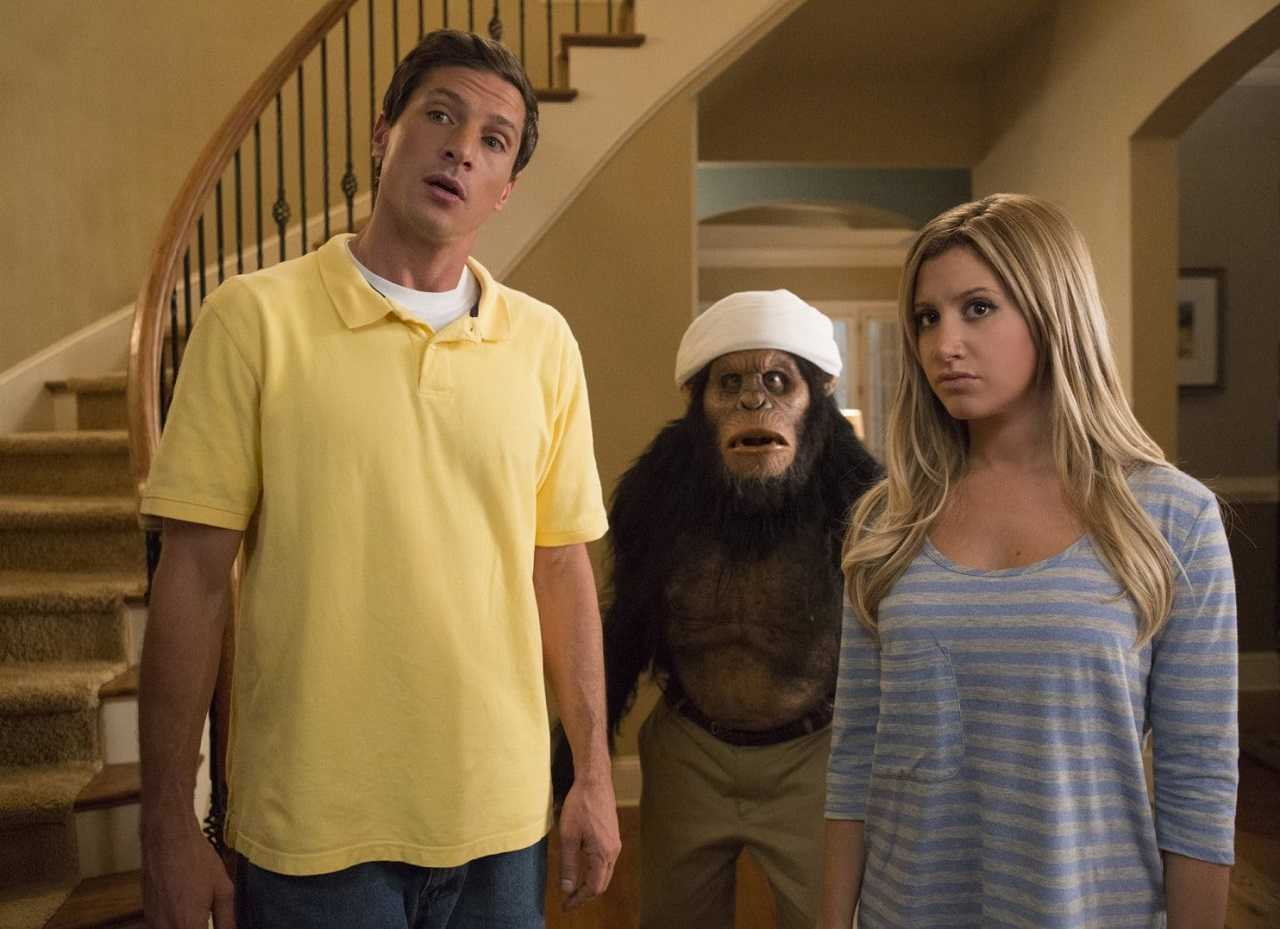 Simon Rex, Ashley Tisdale and Caesar the ape in Scary MoVie (2013)