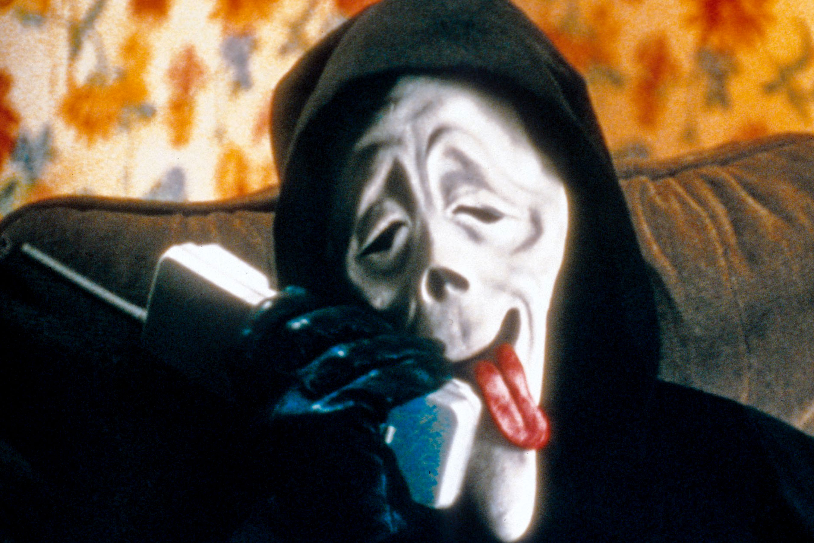 Parodying Scream's Ghost Face in Scary Movie (2000)