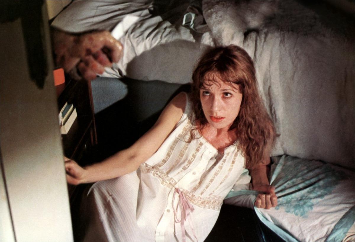 Daria Nicolodi suffers possible hallucinations in Schock (1977)