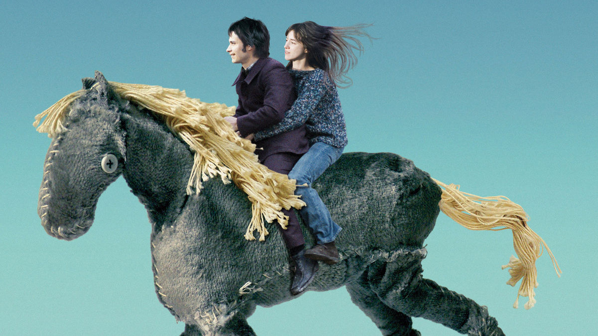 Gael Garcia Bernal  and Charlotte Gainsbourg take a ride on a dream horse in The Science of Sleep (2006)