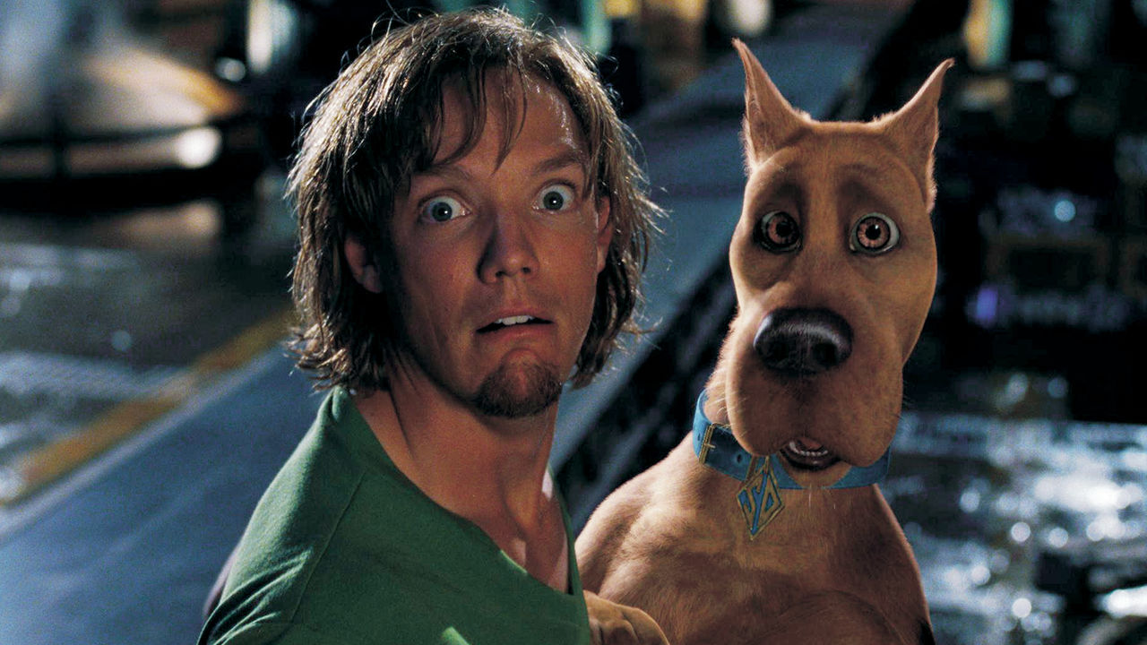 Shaggy (Matthew Lillard) and Scooby-Doo in Scooby-Doo (2002)