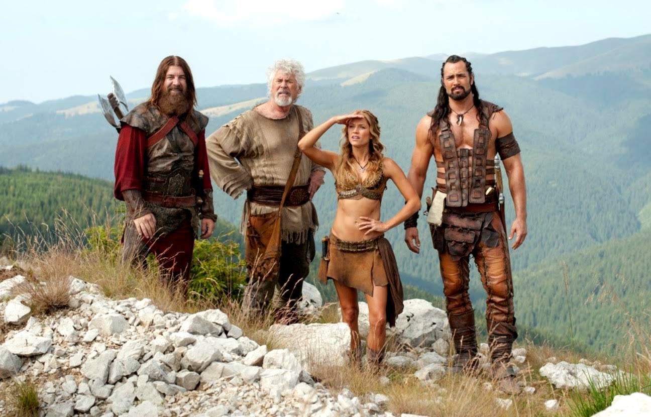 Roland (Rodger Halston), the inventor Sorrell (Barry Bostwick), his daughter Valina (Ellen Hollman) and Mathayus (Victor Webster) in The Scorpion King 4: Quest for Power (2015)