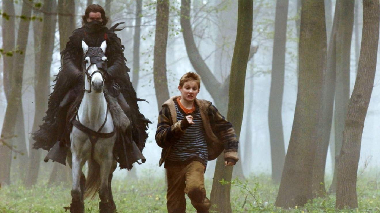 Alexander Ludwig pursued by The Rider (Christopher Eccleston) in The Seeker: The Dark is Rising (2007)