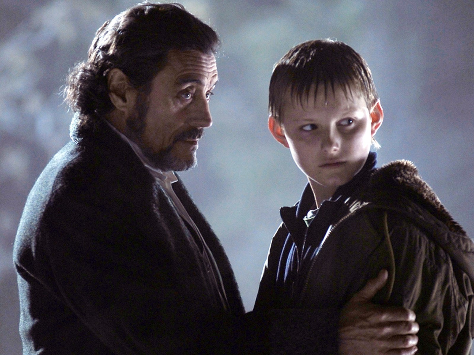 Will Stanton (Alexander Ludwig) and Merriman Lyon (Ian McShane) in The Seeker: The Dark is Rising (2007)