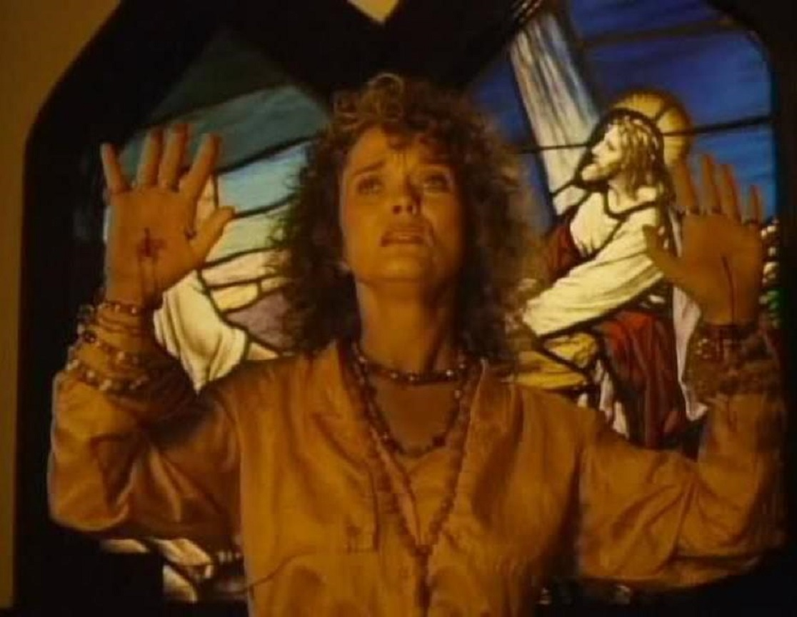 Cult leader Grace Zabriskie in Servants of Twilight (1991)