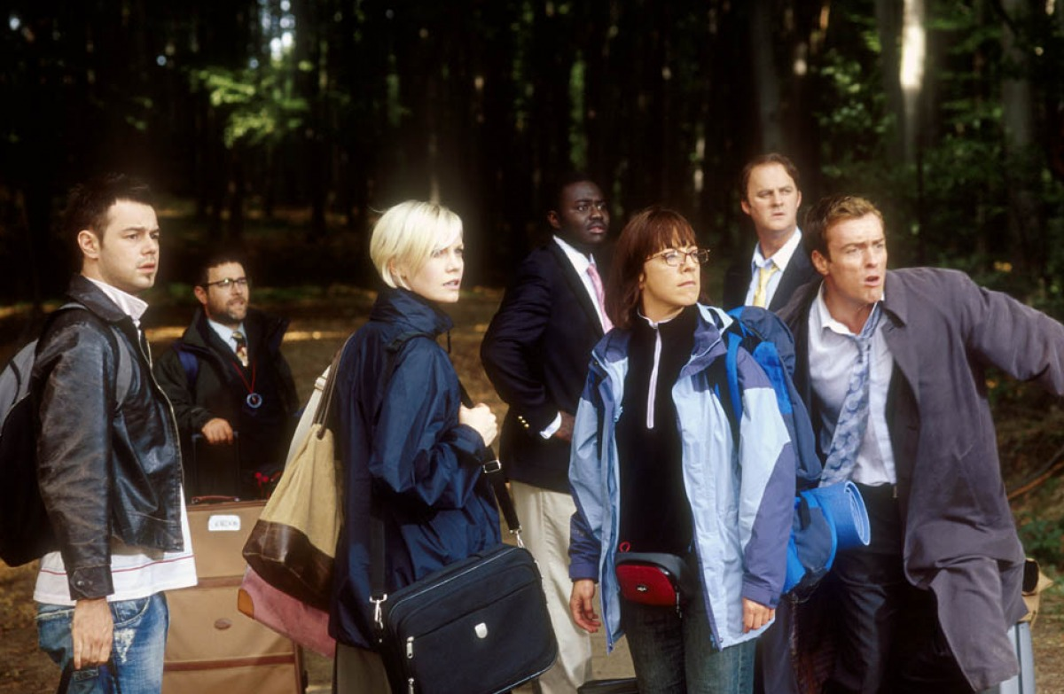 The team arrives at the lodge - (l to r) Danny Dyer, Andy Nyman, Laura Harris, Babou Ceesay, Claudie Blakley, Tim McInnerny and Toby Stephens in Severance (2006)