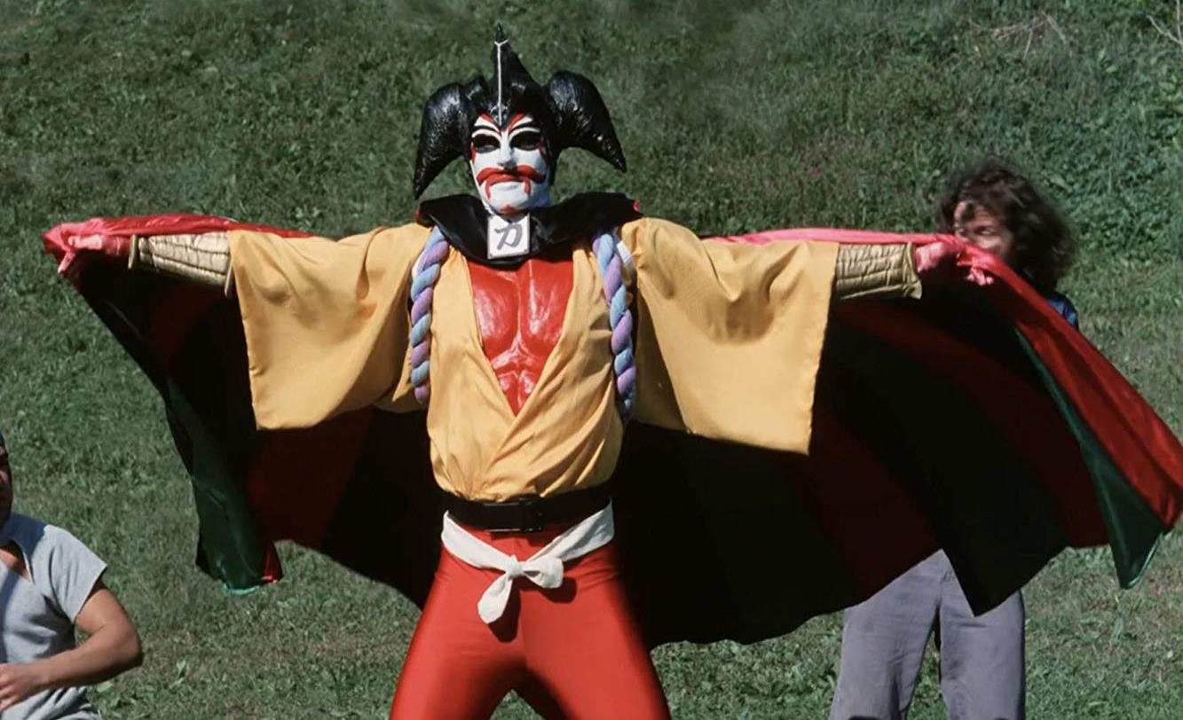 Kabukiman (Rick Gianasi) in action in Sgt. Kabukiman N.Y.P.D. (1990)
