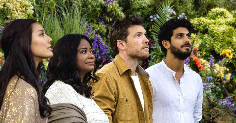 Sarayu (Sumire), God (Octavia Spencer), Mack Phillips (Sam Worthington) and and Jesus (Avraham Aviv Alush) in The Shack (2017)