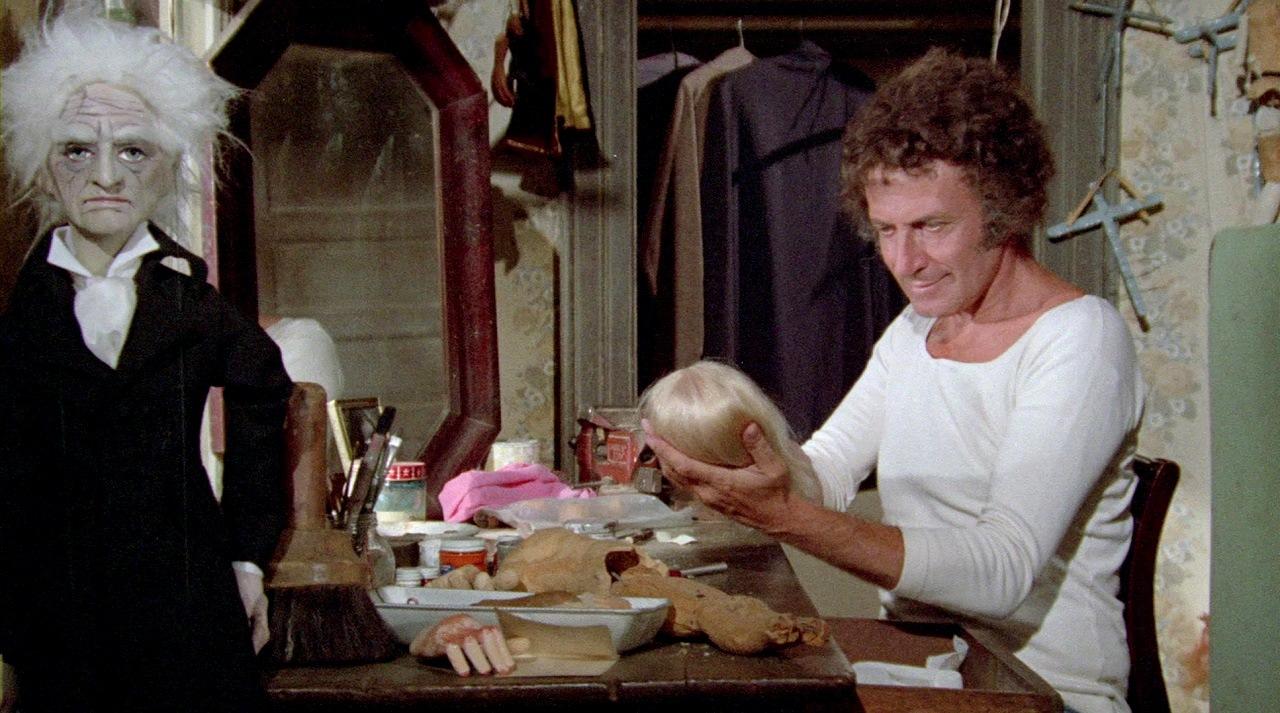 Marcel Marceau as puppeteer Malcolm Shanks in Shanks (1974)