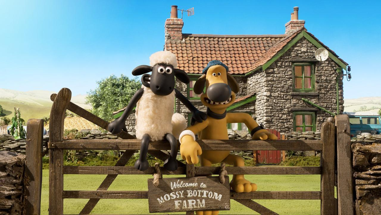 Shaun the Sheep and Blitzer on Mossy Bottom Farm in Shaun the Sheep Movie (2015)