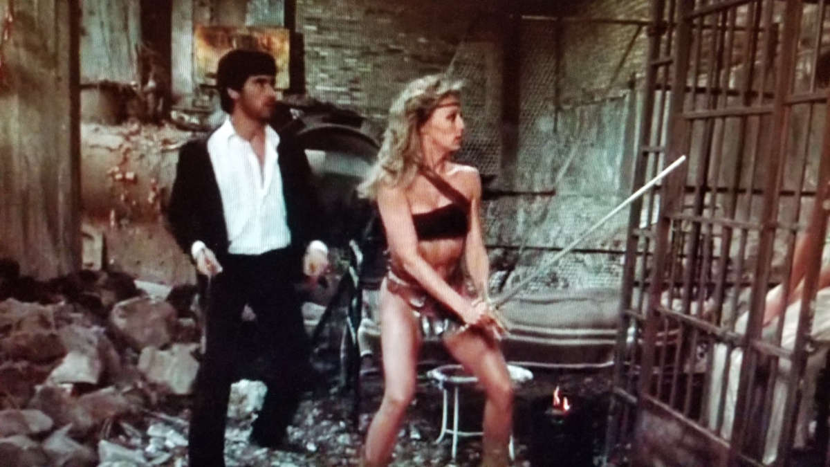 She (Sandahl Bergman) and Harrison Mueller in She (1983)