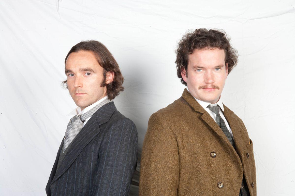 Sherlock Holmes (Ben Syder) and Dr Watson (Gareth David-Lloyd) in Sherlock Holmes (2009)