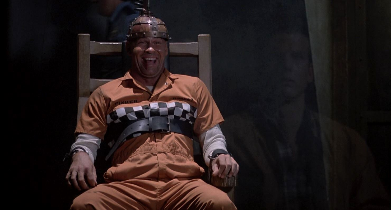 Horace Pinker (Mitch Pileggi) goes to the electric chair in Shocker (1989)