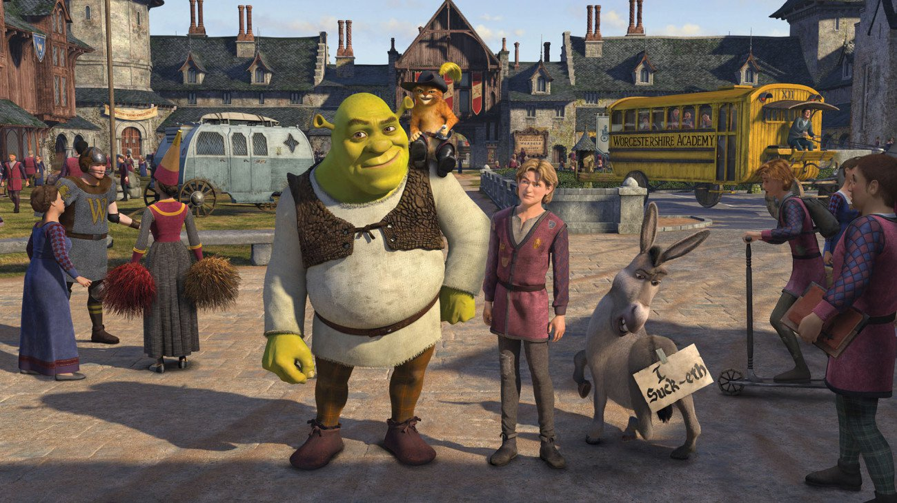 Shrek (voiced by Mike Myers) and Arthur (voiced by Justin Timberlake) in Shrek the Third (2007)