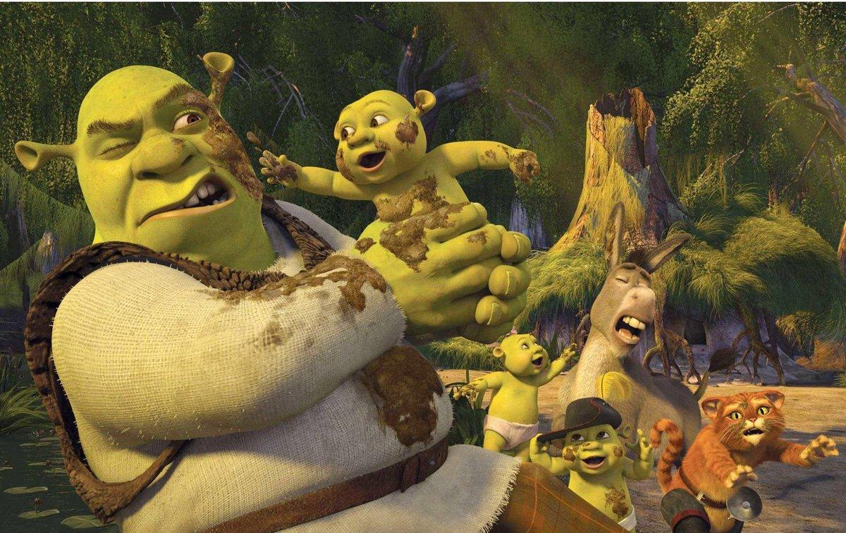 Shrek has difficulty adjusting to fatherhood in Shrek the Third (2007)