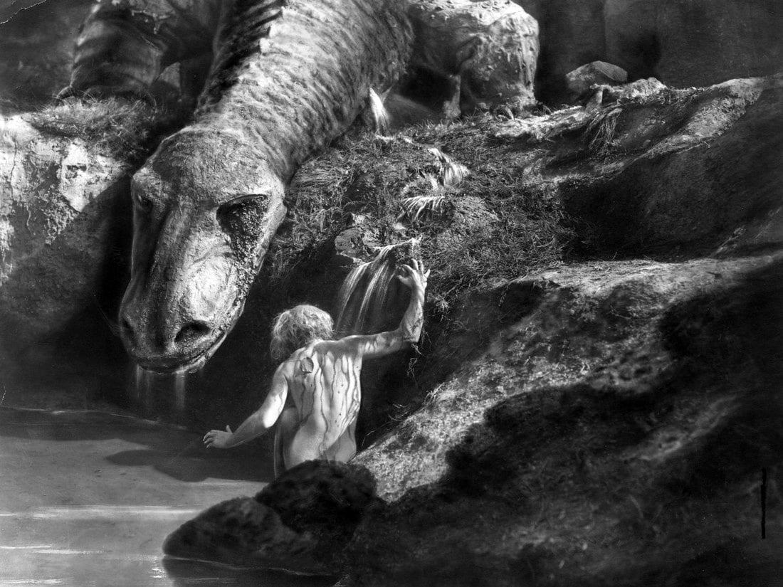 Siegfried (Paul Richter) bathes in the blood of the dragon Fafnir in Siegfried (1924)