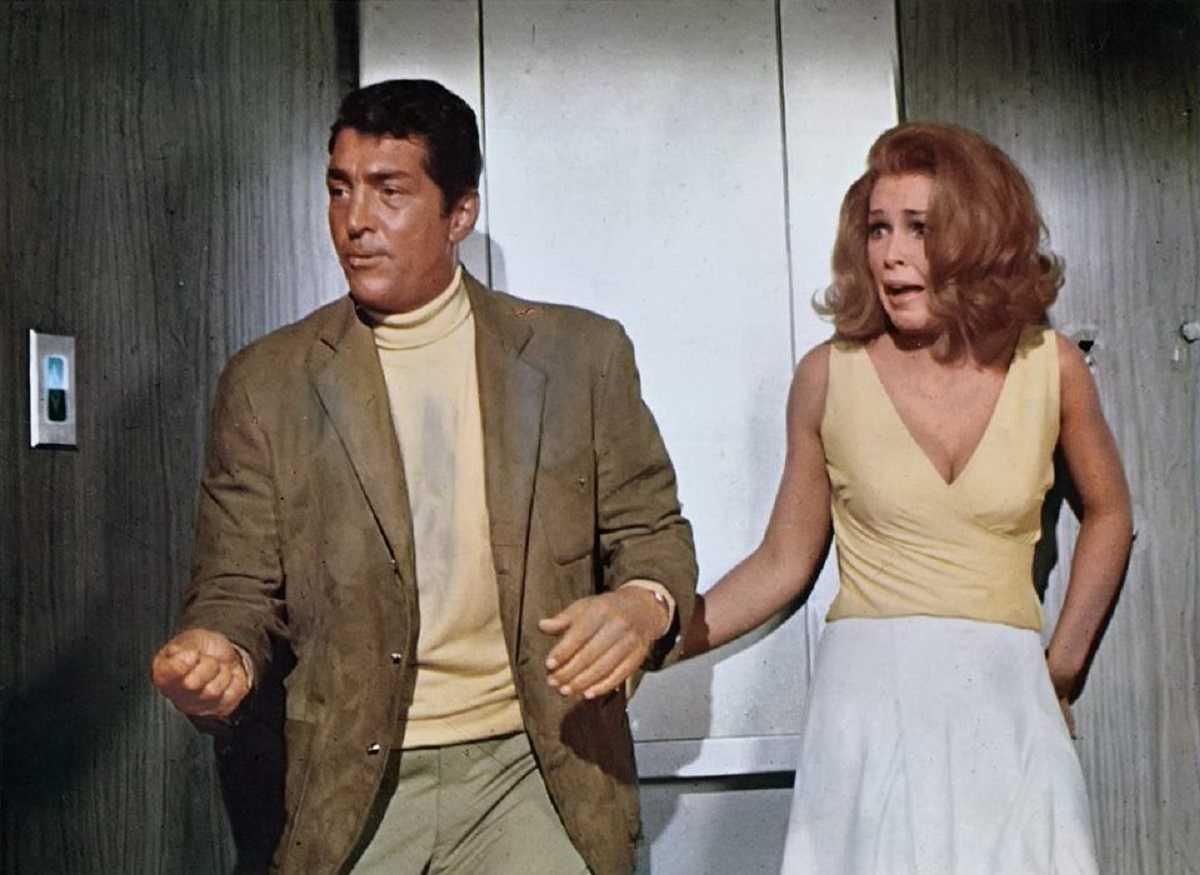 Agent Matt Helm (Dean Martin) and Stella Stevens in The Silencers (1966)