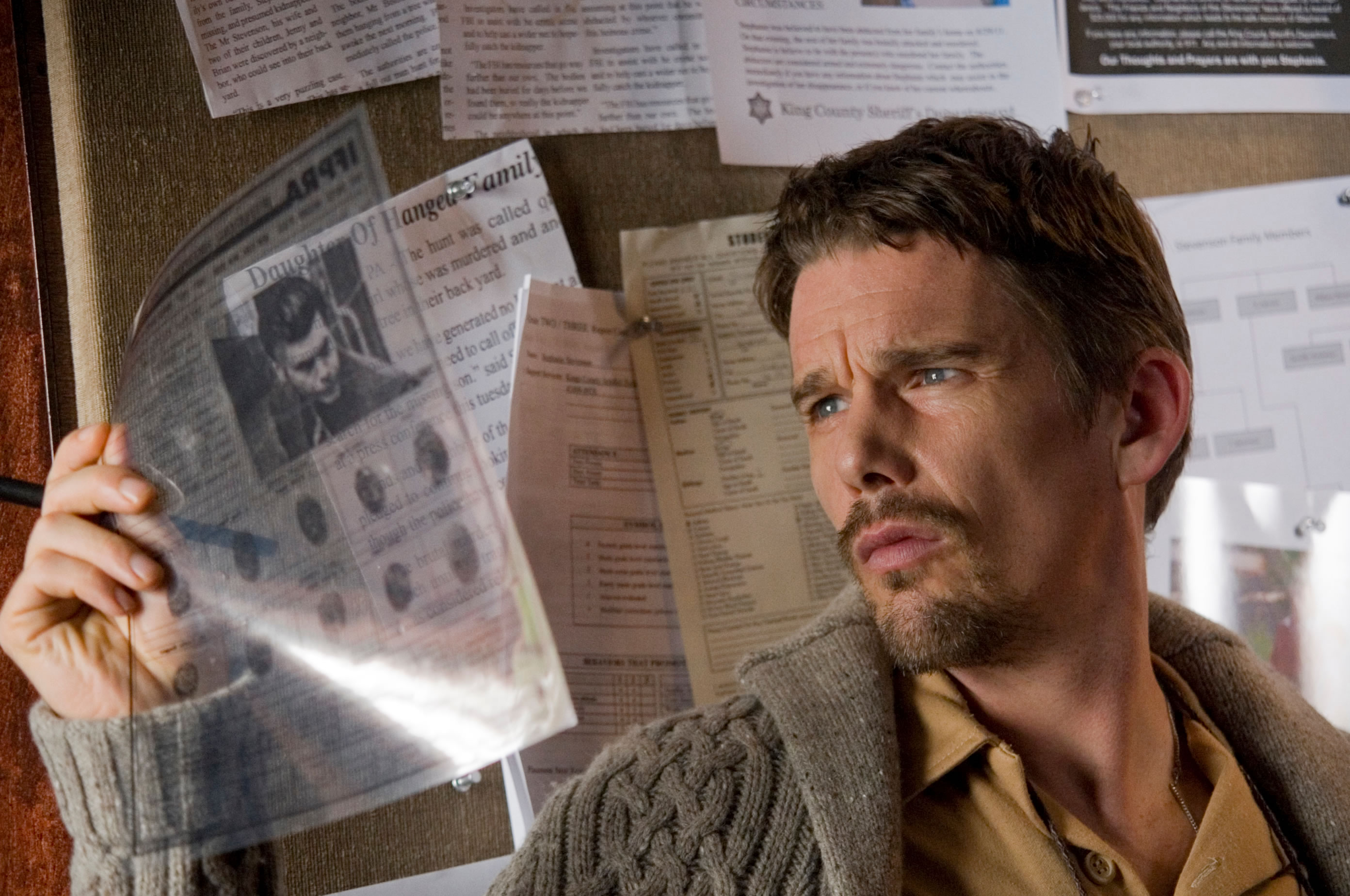 Ethan Hawke in Sinister (2012)