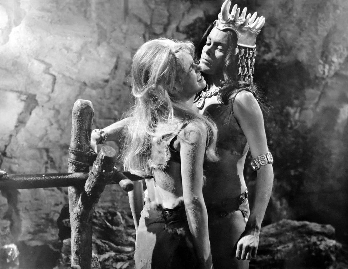 Edina Ronay, Martine Beswick in Slave Girls/Prehistoric Woman (1967)