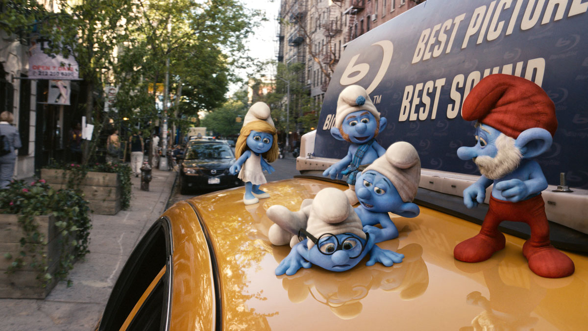Smurfs amok in New York City in The Smurfs (2011)