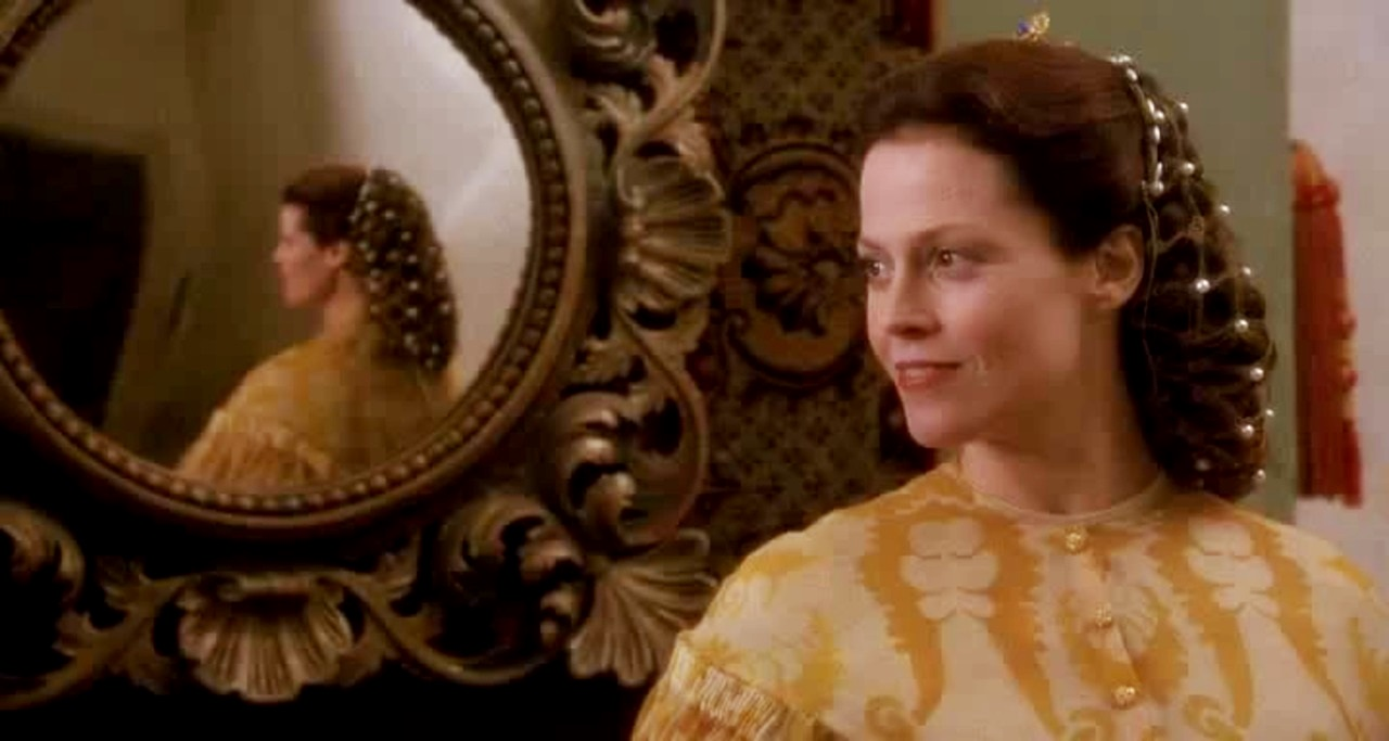 Sigourney Weaver as Lady Claudia, the wicked stepmother in Snow White: A Tale of Terror (1997)