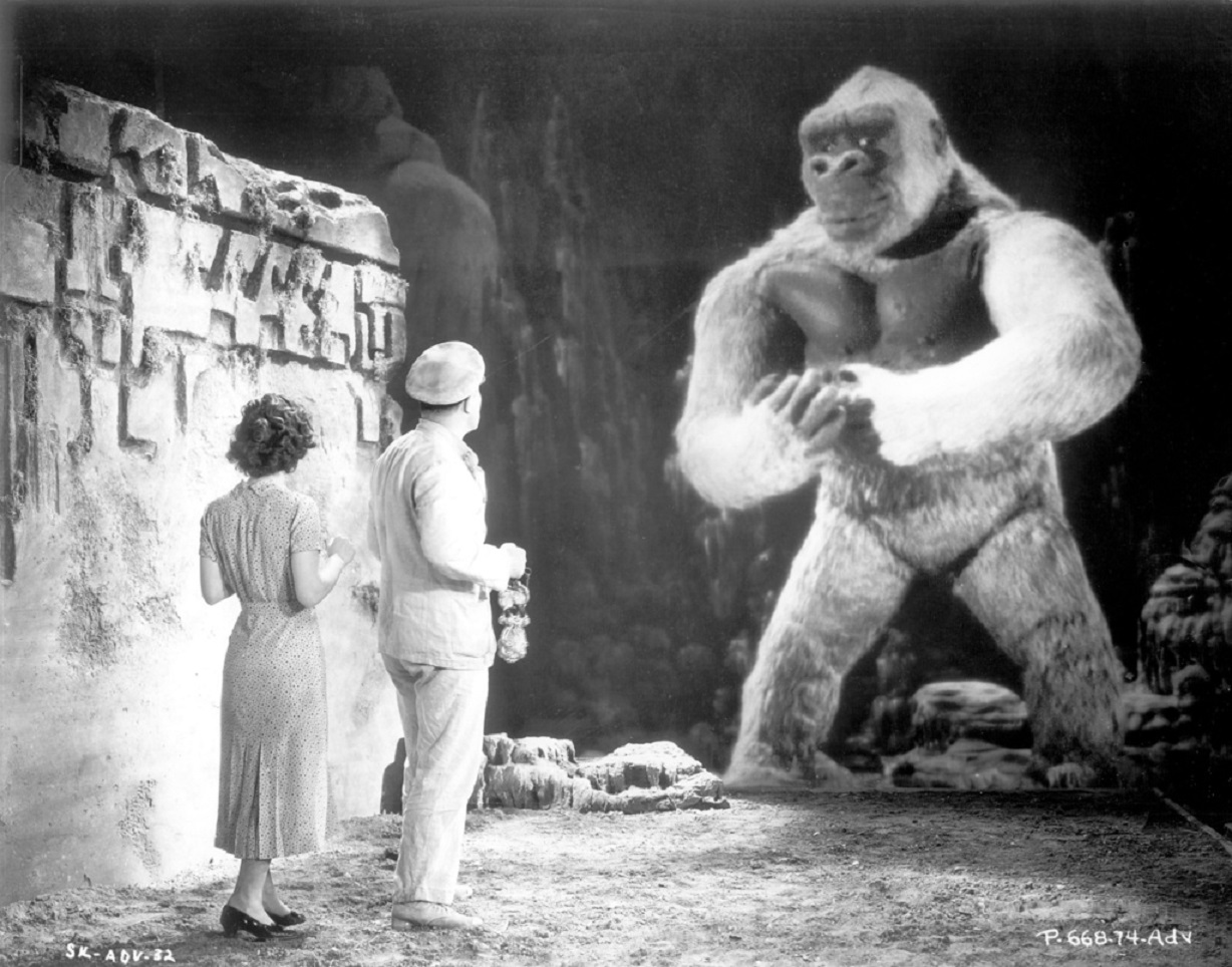 Helen Mack and Robert Armstrong meet The Son of Kong