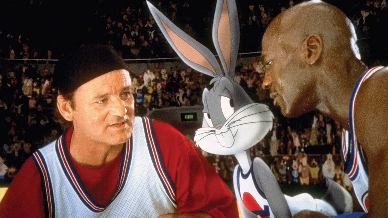 (l to r) Bill Murray, Bugs Bunny and Michael Jordan in Space Jam (1996)