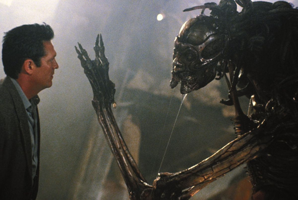Michael Madsen encounters the male of the species in Species II (1998)